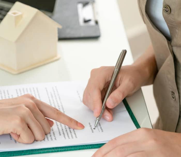Client signs document - DJ Law MS